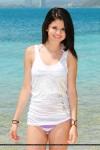 Selena Gomez in bikini